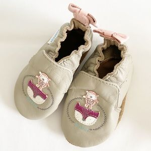 Robeez Hello Baby 0-6 mo owl leather moccasins